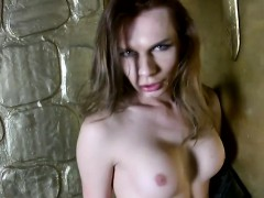 russian-amateur-ts-pleases-herself-teasingly