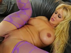 pornstar-bombshell-gets-her-anal-hole-reamed-with-massive-co