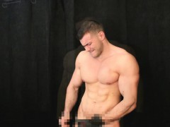 muscle-hunk-sucking-up-cum-of-my-leather-gloves