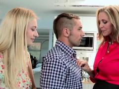 mature mom triofucks and cumswaps with slut