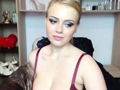 lovely-chubby-big-boobs-babe