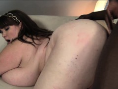 huge-breasted-plumper-lexxxi-luxe-has-a-black-bull-drilling-her-pussy