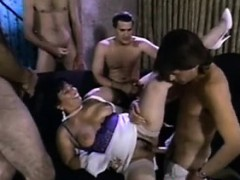 cuckold-mom-big-babe-pierced-swing-kitty