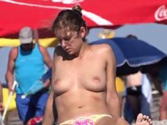 Sexy Amateur Topless Teen Voyeur Beach Close-up