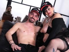 SCAMBISTI MATURI - Mature Italian BBW takes anal and facial