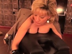 Unfaithful British Mature Lady Sonia Flashes Her Huge Puppie