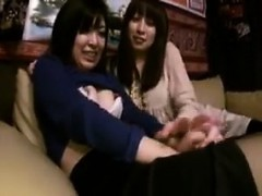 two-ravishing-japanese-girls-enjoying-an-exciting-lesbian-e
