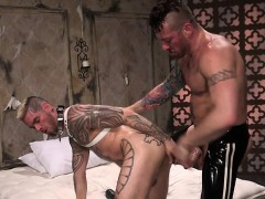 muscle-gays-fetish-with-cumshot