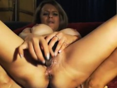 milf-wants-you-to-tease-her-pussy-w-vibepussy-ohmibod-toy