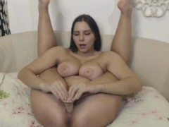 Flexible Big Ass Busty Teen Masturbates
