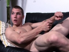 Fit Soldier Elye Black Wanking His Stiff Pole With Passion