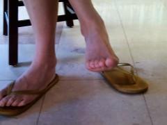candid-asian-library-queen-feet-an-shonda-from-dates25com
