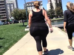 white-megapear-big-babe-walking-danyell-from-dates25com