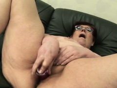 amateur-mature-milf-masturbating-w-marcell-from-dates25com