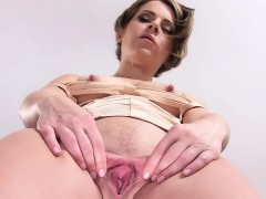 spicy-czech-chick-stretches-her-narrow-cunt-to-the-unusual