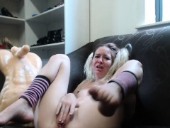 hot-blonde-camslut-makes-herself-squirt