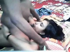 indian-babe-gives-blowjob
