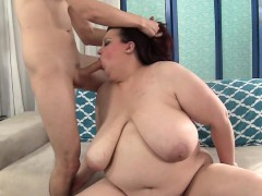 Plussize Babe Double Penetrated In Threeway