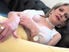 Unfaithful English Milf Lady Sonia Showcases Her Huge Balloo