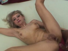 blonde-stepmom-makes-a-move-on-her-stepson