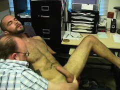 Straight Amateur Enjoying A Gay Handjob