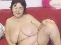 ebony-bbw-flashes-huge-boobs-while-banged