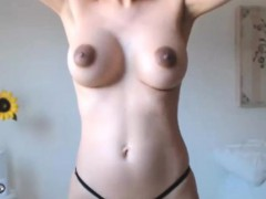 hot-sexy-nice-tits-model-like-to-squirting