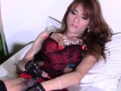 glamcore-ladyboy-masturbating-passionately