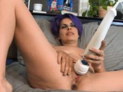 blue-hair-amateur-masturbation-with-giant-vibrater