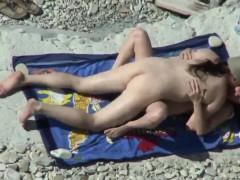 beach-voyeur-1