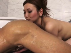 asian-girlfriend-gets-fucked-in-different-positions