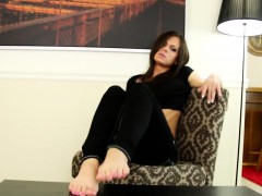 feet-loving-tranny-shows-off-her-pedicure