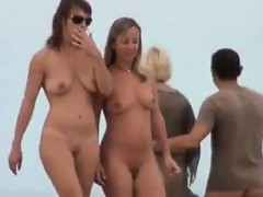 girlfriends-public-flashing-and-amateur-voyeur
