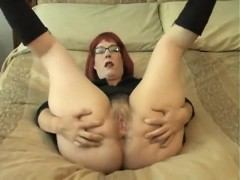 amateur-hairy-girl-masturbation-webcam-close-up