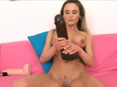 sexy laura crystal gapes her muffin with a brutal dildo