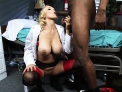 brazzers-doctor-adventures-julia-ann-luca