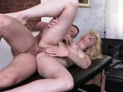 client-katti-gold-gets-anal-dicking-from-masseur