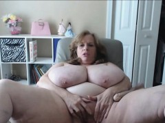 us-granny-bouncing-the-biggest-natural-tits-in-the-world