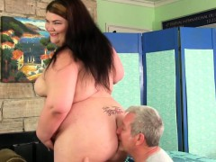 fat-ass-juicy-jazmynne-gets-a-sexual-massage