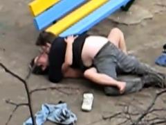 la-salope-de-colette-choisez-baise-dans-un-parc-publique