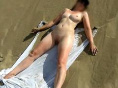 Milf Nude On Public Beach