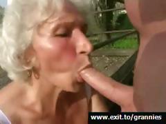 mona-playfull-horny-granny