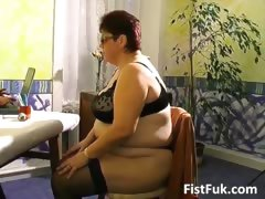 busty-mature-fatty-gets-her-old-pussy-part5