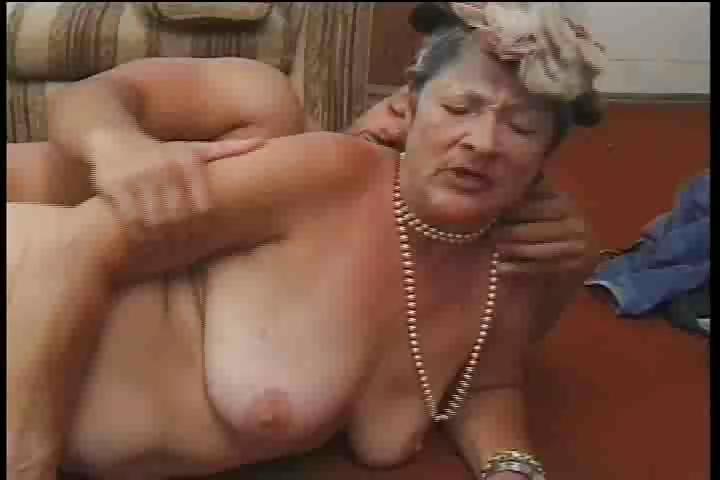 порно со страстными старушками видео