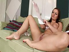 tereza-plays-with-her-feet