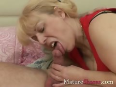 granny-starts-with-some-sucking