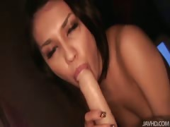 juicy-maria-ozawa-uses-lights-and-a-vibrator-to-fill-her