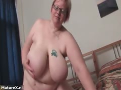 fat-mature-woman-gets-naked-and-plays-part1