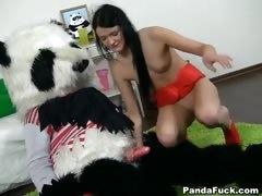 monster toy panda fuck young teen – اخ زبة كبير ينيك اختة الصغيرة من كسها الضيق
