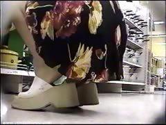 mini-skirt-girls-extreme-approach
